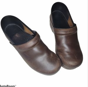 Dansko brown leather clogs women's size 39